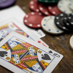 Reasons why you will love playing gambling games in online casinos