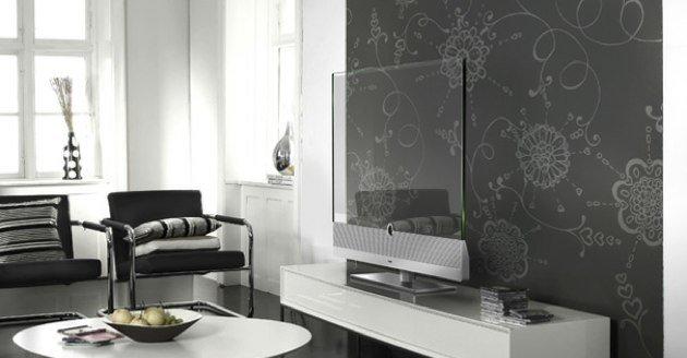 Loewe Invisio Transparent TV
